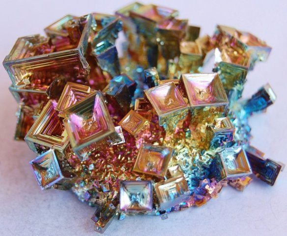 bismuth_crystal_cluster_3360_1_by_beeblebroxz-d4prw3p